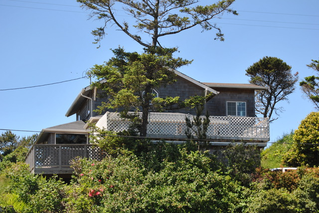 851 N. Miller, Rockaway Beach Wonderful bungalow with lake and ocean views!!